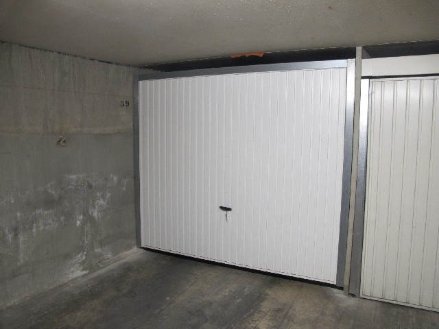 L001254 63 boulevard saint jean capelette 13010 france for Garage la capelette