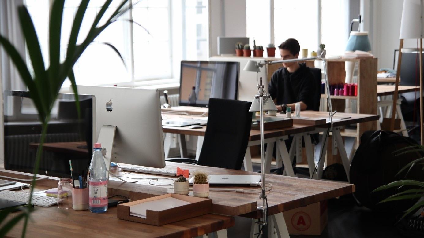 Opportunités fiscales pour les petits patrons: la location de bureaux équipés