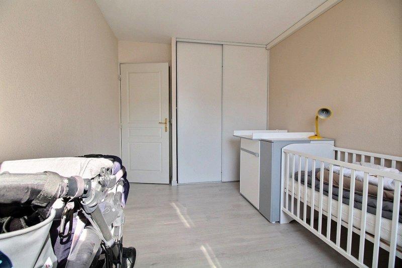 Ecoles , Commerces, 13010, Marseille, France